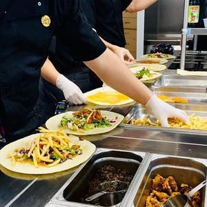 🔥🔥@cosytacos OUVERT à Bordeaux Gambetta et maintenant à Bordeaux BASTIDE  En livraison avec @ubereats_fr, @deliveroo_fr  Et @justeatfr  BEAUCOUP TROP D'AMOUR DANS NOS TACOS ❤️  #bordeaux #bordeauxmaville #bougerabordeaux #bordeauxfood #topbordeaux #bordeauxtopfood #cosytacos #tacos #frenchtacos #food #restaurant #instafood #miam #wrap #salade #ouverture