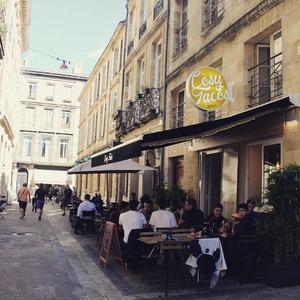 L'équipe du @cosytacos te souhaite un bon week-end !  => viens déguster nos suggestions de wraps, salades et Tacos 🌞  @ubereats_fr @deliveroo_fr  => bienvenue à notre nouveau voisin ! @lengrenage_bordeaux  Rendez-vous au 6 rue Castelnau d'Auros à Bordeaux !    #bordeaux #bordeauxmaville #bougerabordeaux #bordeauxfood #topbordeaux #bordeauxtopfood #cosytacos #tacos #frenchtacos #food #restaurant #instafood #miam #wrap #salade #summer #été #holidays #dieticosy