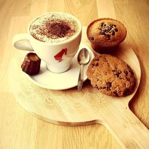 TAKE A BREAK ⏸️ @cosytacos 🔥  #cosytacos #cosy #breaktime #breakfast #tacos #wrap #salad #bordeaux  #bougerabordeaux #bordeauxfood #bordeauxmaville #bordeauxbastide #muffin #cookies #coffee #juliusmeinl #capuccino #faitmaison @juliusmeinlofficial