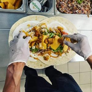 On compose avec amour pour vous chez @cosytacos 🌮🌯🥰  #tacos🌮 #wrap #salad #xxl #cosy #sweet #foodlover #food #bordeauxfood #bordeauxtopfood #bordeauxmaville #enjoy